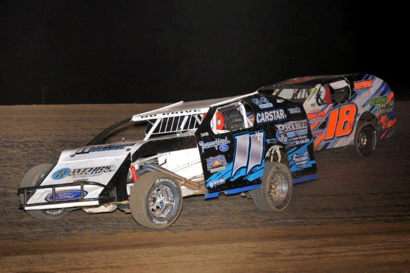 Mike Higley #11 of Kansas City, Mo leading #18 JC Morton. Photo credit to John Lee, Highfly-Nphotos.com