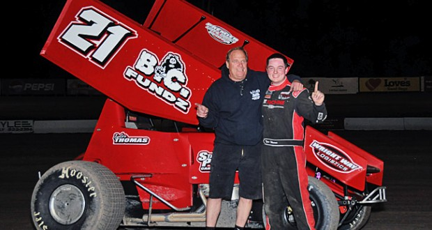 Tyler Thomas made his way to victory lane with a last-lap pass in Friday night's 305 Sprint Car Shootout at Las Cruces' Southern New Mexico Speedway.